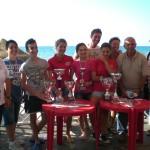 Il gruppo di Juniores del Centro Velico Balestrate con il Presidente Mimmo Taibi e i coniugi Previti
