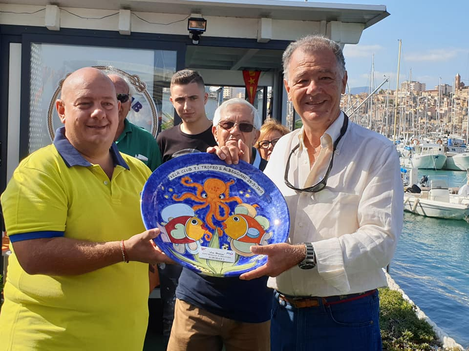"""Trofeo Albeggiani ad """"Alboran2"""" di F. D'Asaro. Consegna il premio Luigi Aruta del Comitato Organizzatore"""
