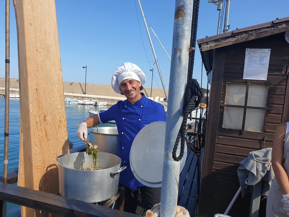 Lo chef Sciurca al lavoro
